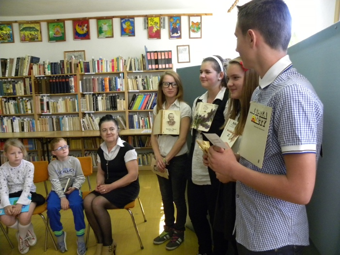 Zespół Szkół w Biesowicach Pasowanie na czytelnika