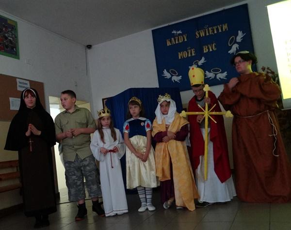 Zespół Szkół w Biesowicach 1 Parada Świętych