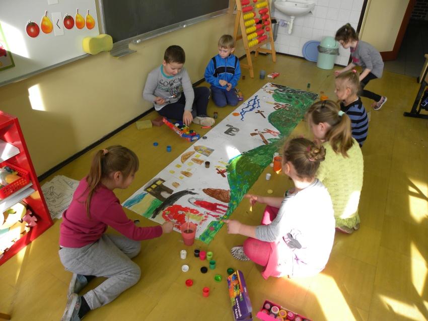 Zespół Szkół w Biesowicach Malowanie - Droga Krzyżowa