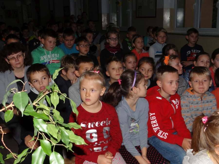 Zespół Szkół w Biesowicach Dzień papieski