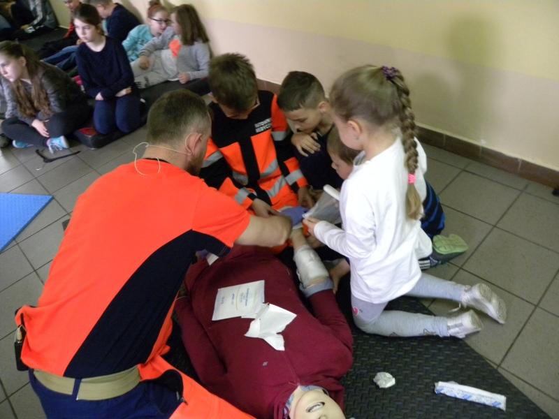 Zespół Szkół w Biesowicach Pierwsza pomoc 2017