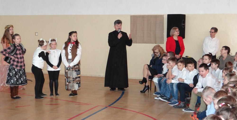 Zespół Szkół w Biesowicach Jasełka 2017