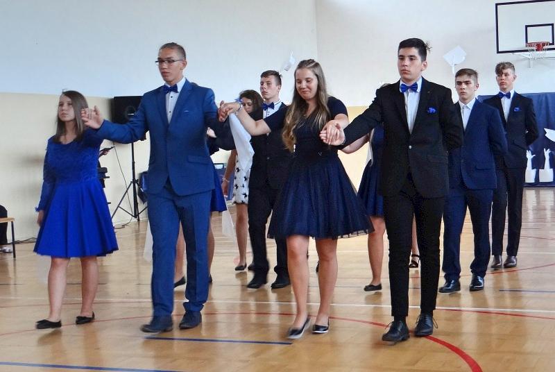 Zespół Szkół w Biesowicach Pożegnanie klasy 8SP i 3 Gimnazjum