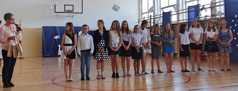 Zespół Szkół w Biesowicach Uroczyste zakończenie roku szkolnego 2018/2019