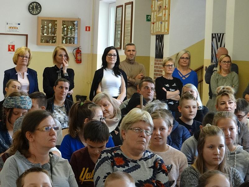 Zespół Szkół w Biesowicach Parada świętych