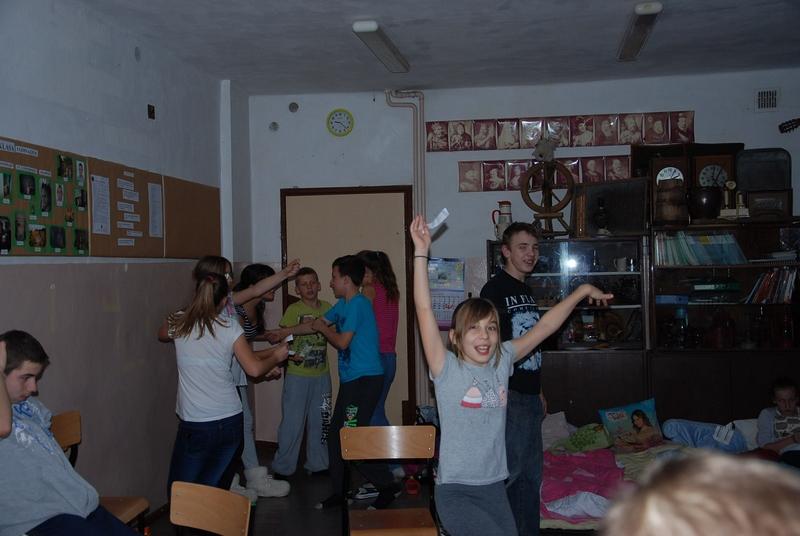 Zespół Szkół w Biesowicach Tajemnicza noc w bibliotece szkolnej